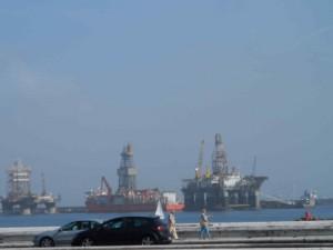 Plataformas petroleras, entre la calima-LPGC
